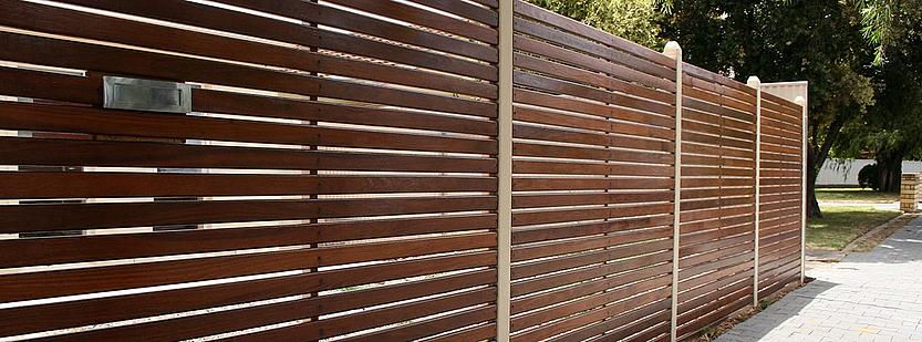 Gartenzaun Sichtschutz Aus Stein Und Holz | Garten Und Balkon ...